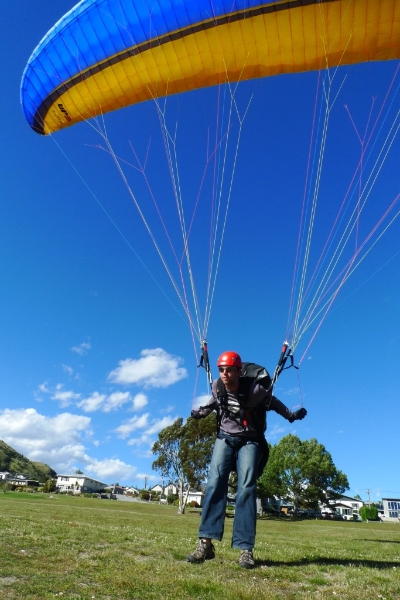 Ground handling the UP Kantega 2 at Frankton Beach, NZ